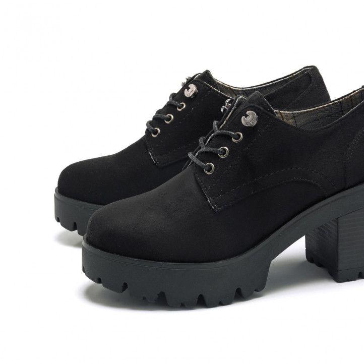 Zapatos tacón Mustang negros modelo bass - Querol online