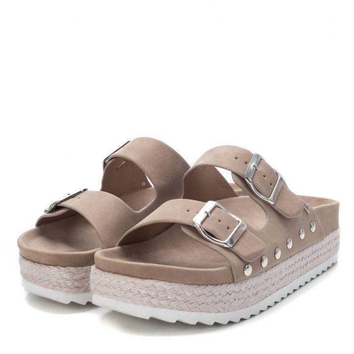 Sandàlies plataformes Refresh grisos amb doble sivella i tatxes en lateral - Querol online