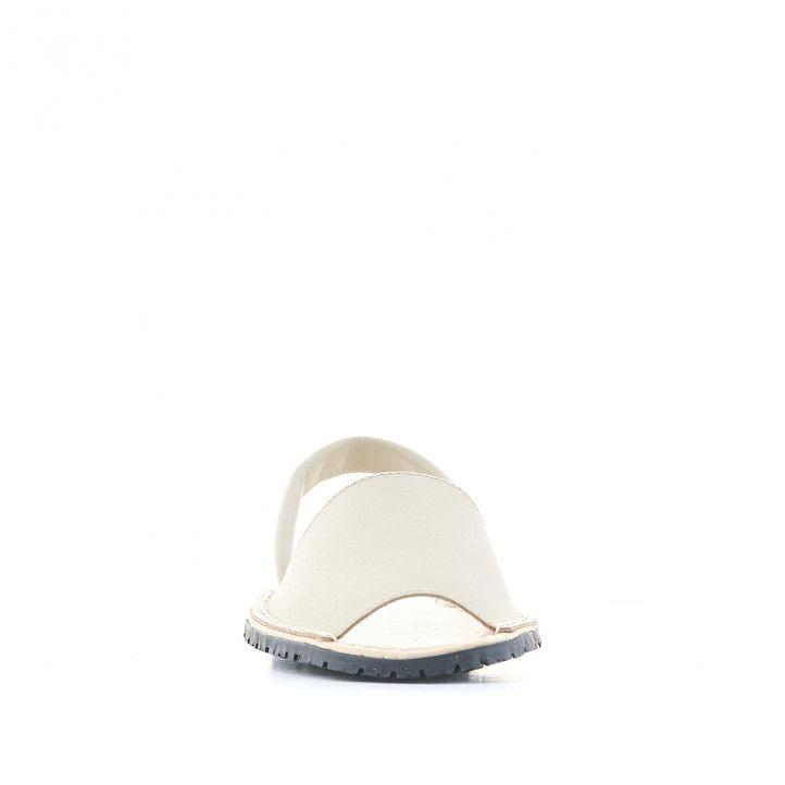 Abarcas Duendy de piel blancas con suela negra - Querol online