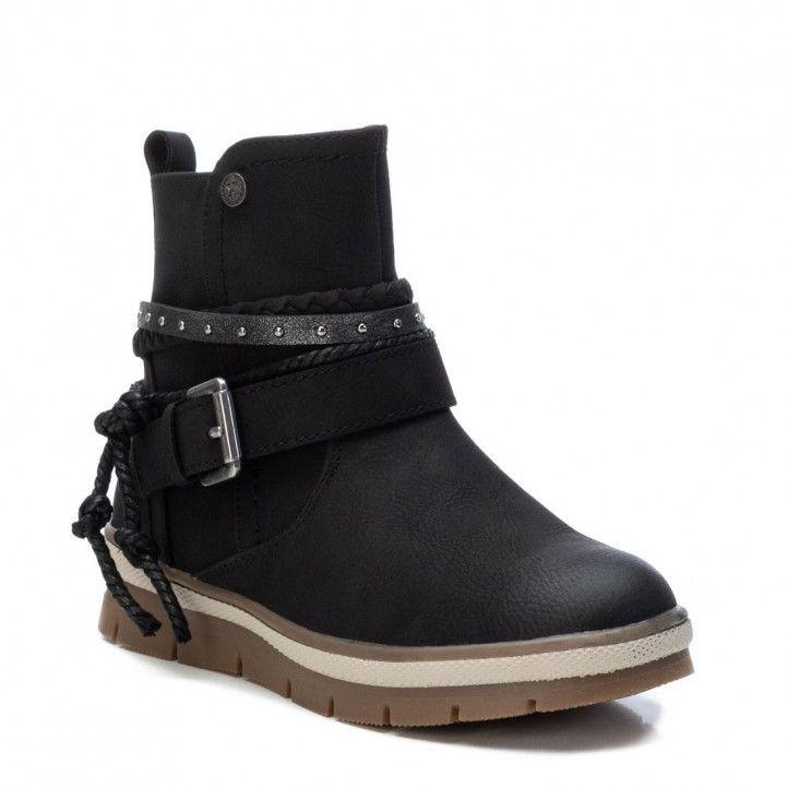 Botines Xti 057639 con hebilla y cordón en la caña en negro - Querol online