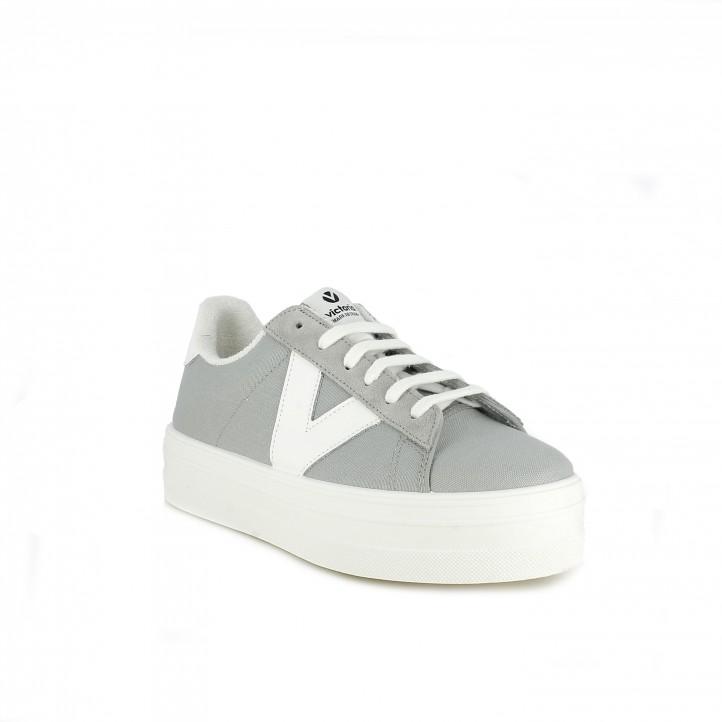 Zapatillas lona Victoria grises y blancas con cordones y plataforma - Querol online
