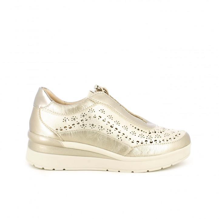 Zapatillas deportivas STONEFLY doradas metalizadas de plataforma con orificios y cordones eláasticos - Querol online