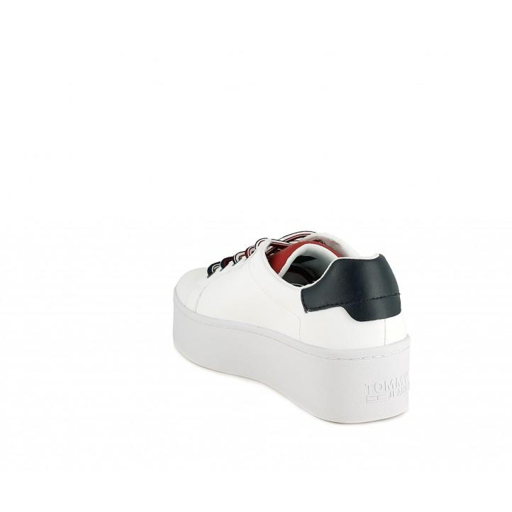 Zapatillas deportivas Tommy Hilfiger blanca de plataforma con tonos azul marino y rojo - Querol online