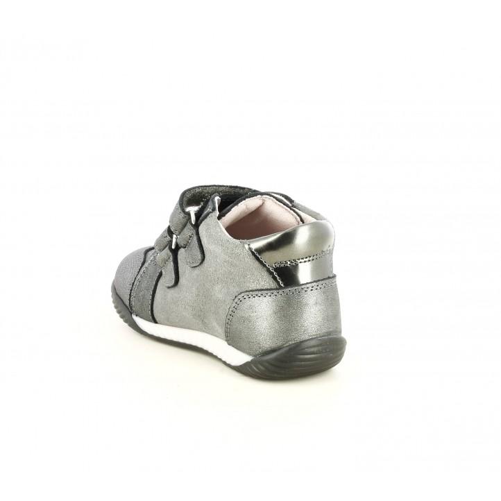 Botines Pablosky gris metalizado con estrella de adorno y punera reforzada - Querol online