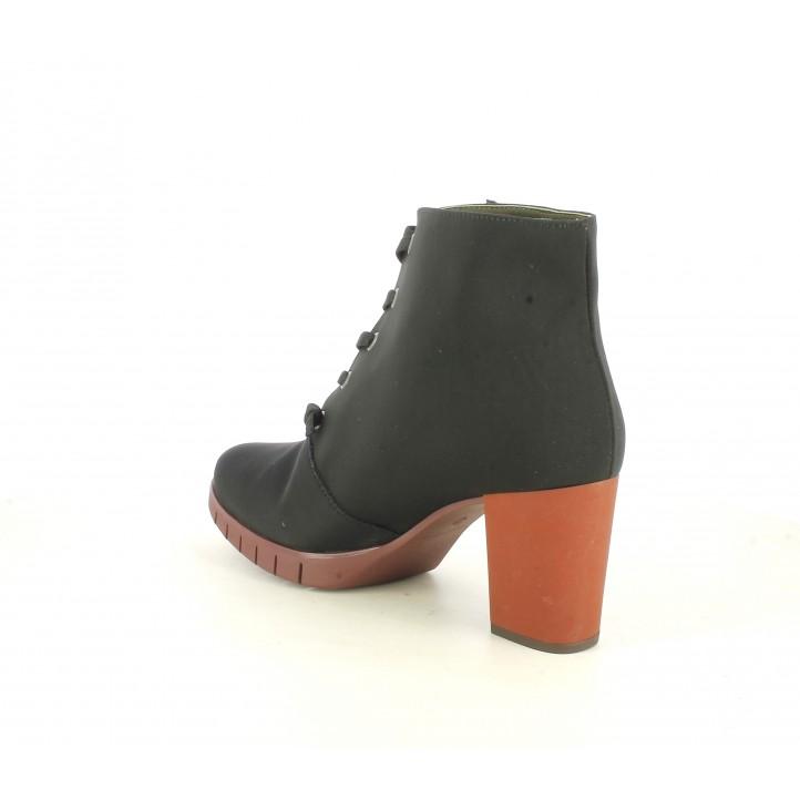 Botines tacón Slowwalk negros de cordones con tacón y suela roja - Querol online