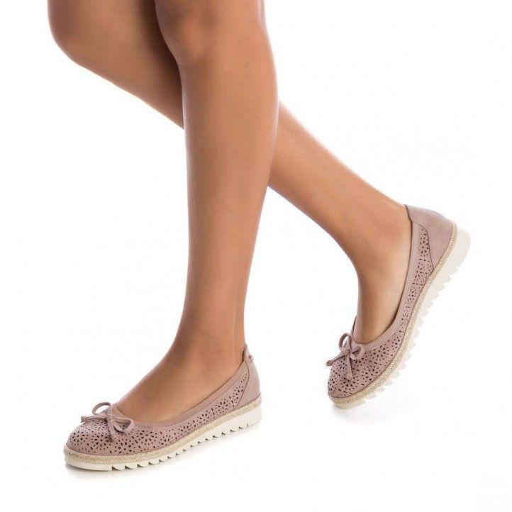 Zapatos planos Refresh rosa tipo bailarina con lazo cosido suela combinada en goma y yute 06955405 - Querol online