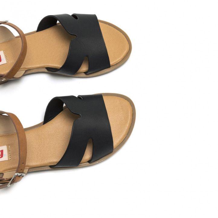 Sandalias planas Mustang de suela de goma en combinaciones negro y color cuero - Querol online