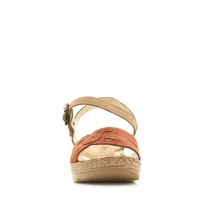 Sandalias cuña Walk & Fly rojas cogidas al tobillo y con detalles perforados - Querol online